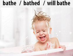 Bathe the baby in the bathtub