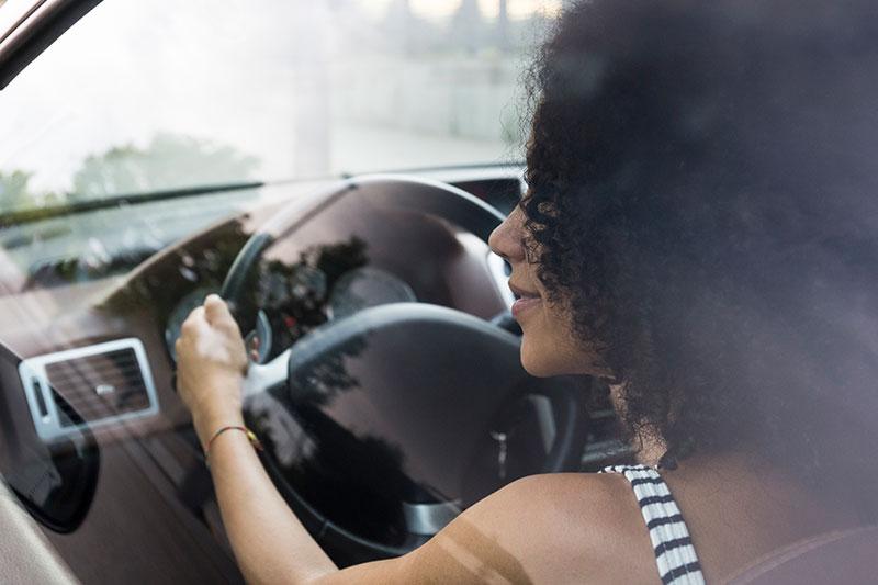conducir - to drive
