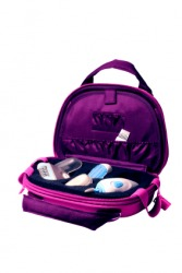 A valise for carrying cosmetics.