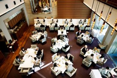A busy restaurant.