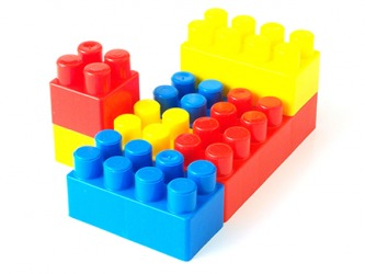 Primary colored blocks are red, blue and yellow.