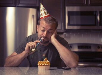 Jerry doesn't like to celebrate his birthday because it compels him to ruminate about his unfulfilled life.
