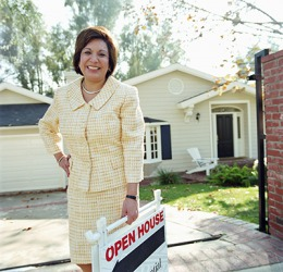 As a realtor, Mariana gets tremendous satisfaction helping families purchase their dream home.
