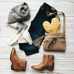 The tan shooties are a good choice for this fall outfit ensemble.