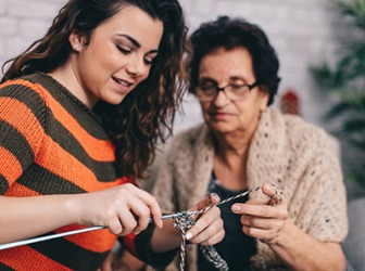Annalisa's grandmother had shown her how to knit a year ago, but she forgot everything and needed a refresher lesson.