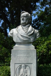 A bust of the composer Richard Wagner.