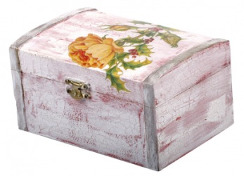 A box decorated by decoupage.