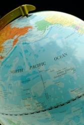 The international date line runs through the Pacific Ocean.