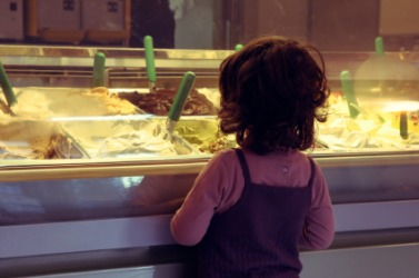 Will this child pick chocolate ice-cream?