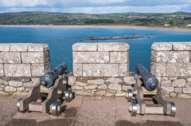 Canons on a castle rampart.