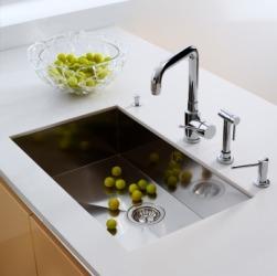 Kitchen-sink dictionary definition | kitchen-sink defined