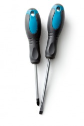 A pair of screwdrivers.
